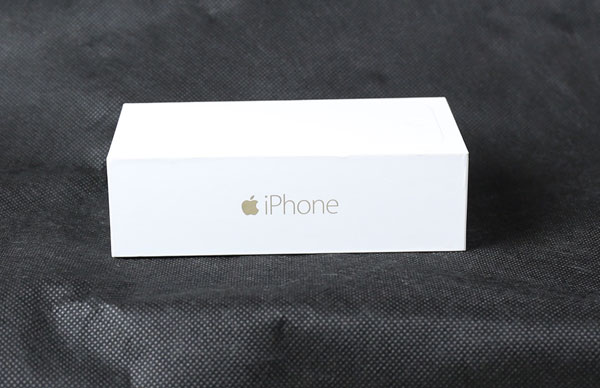 iPhone6sの予約開始に備え、各キャリアの報告所を準備。