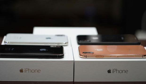 iPhoneX iPhone8/Plus 予約入荷在庫状況掲示板【ソフトバンクドコモ  au】